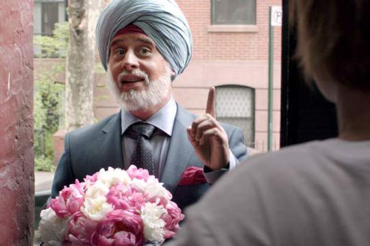 verkleidet-als-indischer-gentleman-ist-star-schauspieler-moritz-bleibtreu-in-der-kino-komoedie-vijay-and-i-kaum-wiederzuerkennen-