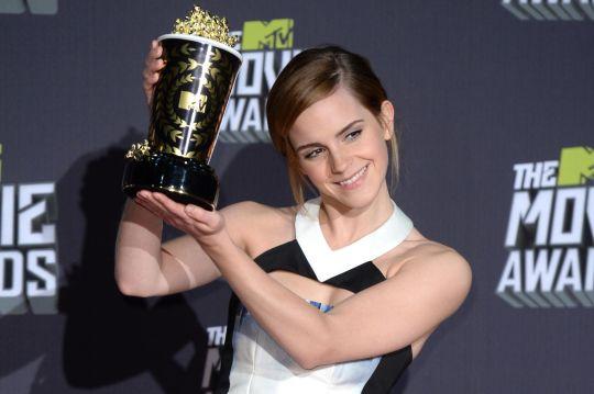 Emma-Watson-at-the-MTV-Movie-Awards-1833435