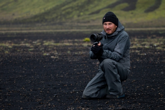 Darren-Aronofsky-on-the-set-of-Noah-2014-Movie-Image
